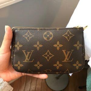 Louis Vuitton Mini Pochette Monogram